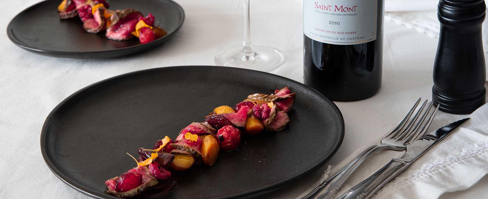 Tataki de boeuf et vin rouge Château de Sabazan